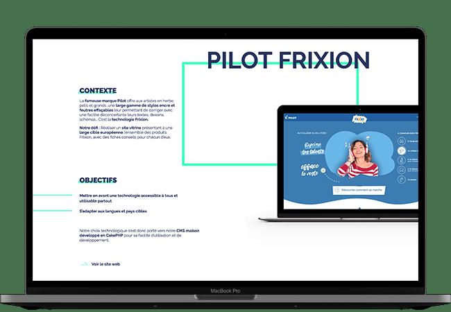 Photographie d'un ordinateur. Dans l'écran, on voit le début d'une page de détail de projet. Il s'agit de la page pour le site Pilot Frixion, avec une image du site, un paragraphe de contexte et un liste des objectifs du projet.