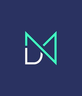 Sigle du logo MDN sur fond bleu marine. Le sigle est un mélange des 3 lettres du nom de l'agence. Il est vert fluo et blanc.