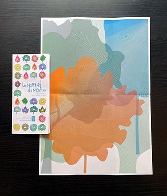 Vue d'un des dépliants programme ouvert en entier, format A3. Le poster est composé de trames en forme d'arbre, superposées pour former des moirages. Les trames sont vertes foncées, bleues et oranges. Une forme de lapin se démarque dans les trames.