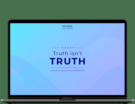 Photographie d'un ordinateur. Dans l'écran, on peut voir l'intro du site Truth isn't Truth. Su un fond en dégradé allant du bleu clair au violet, il est écrit le titre du site, avec comme baseline
