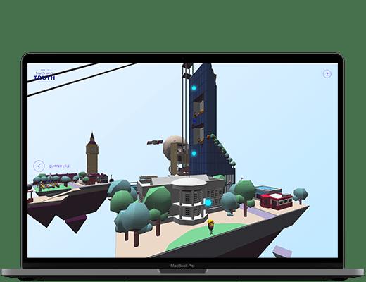 Photographie d'un ordinateur. Dans l'écran, on peut voir la scène 3D du site truth isn't Truth, avec un zoom sur l'îlot des USA. On y voit bien Donald Trump devant la maison blanche et la Trump Tower. On distingue des points bleus ciels, lumineux sur divers éléments. Ils symbolisent les endroits où cliquer pour découvrir l'histoire.